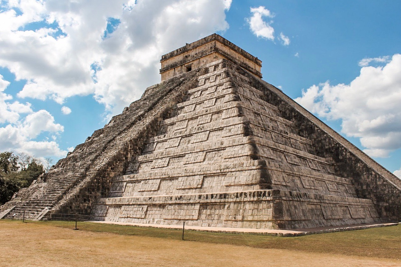 piramide-chichen-itza-cancun-mexico
